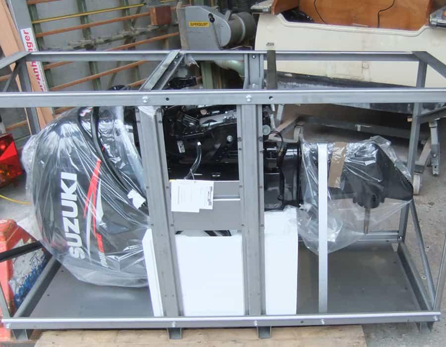 Suzuki DF40 Hensa Boot Motor montieren