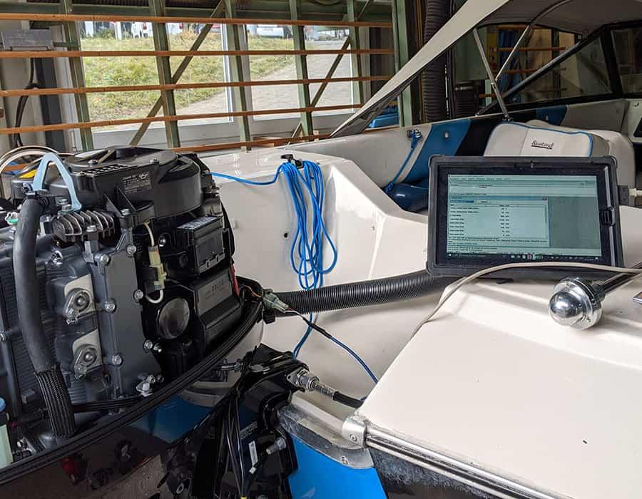 Motorenservice Suzuki mit Diagnosegerät auslesen