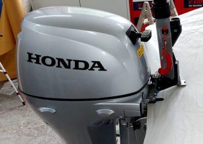 Neuer Honda Aussenborder montiert