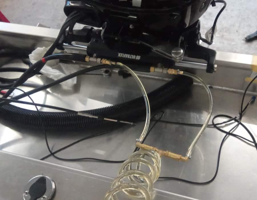 Hydraulische Lenkung montieren und entlüften Aussenborder