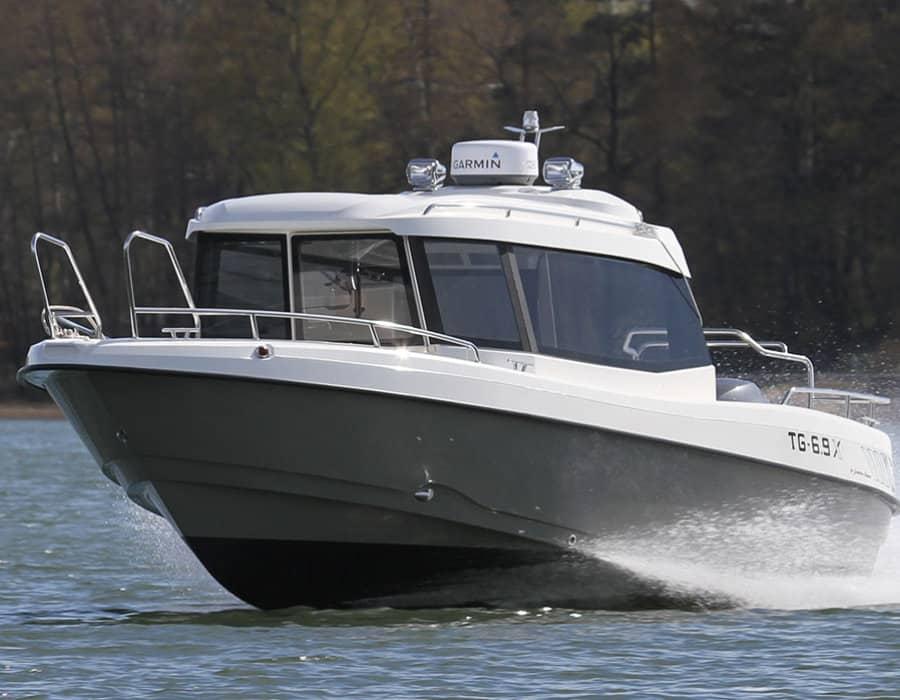 TG 6.9X schnelles Kabinenboot mit Aussenborder